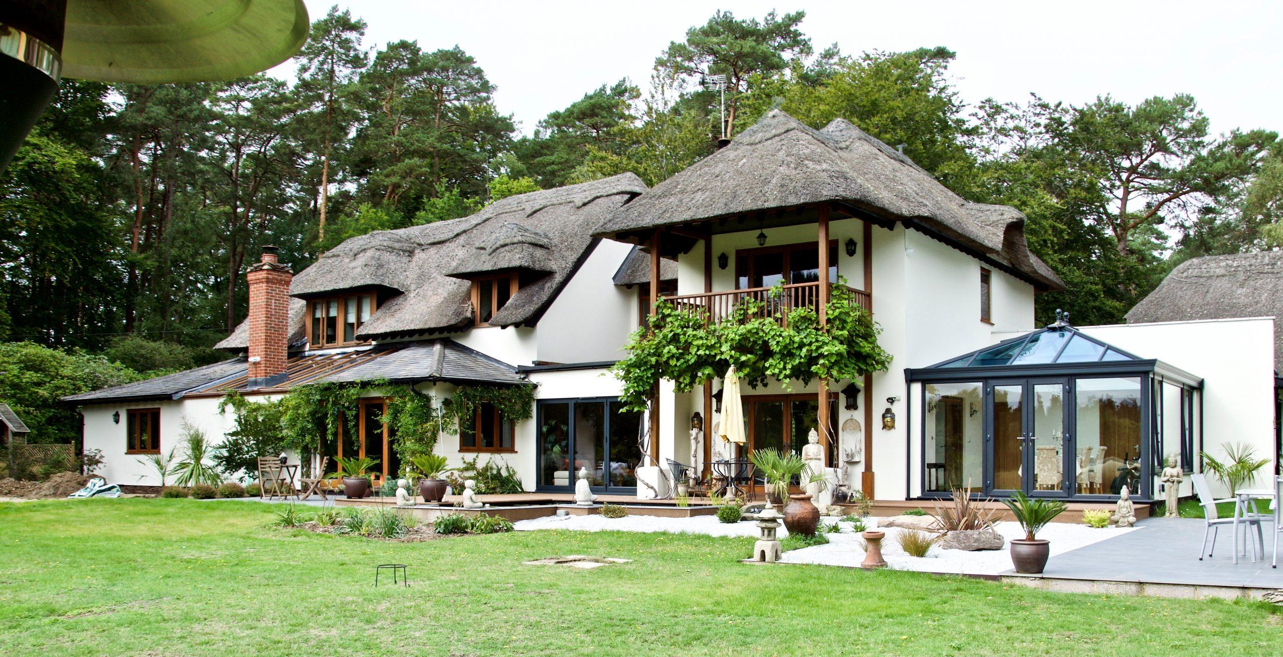 Thatched mansion in Farnham.
